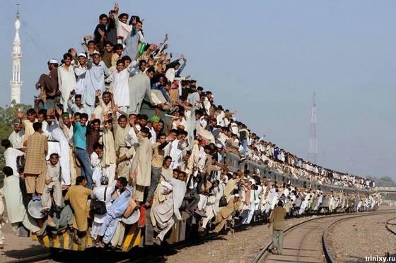 train-in-india-pakistan