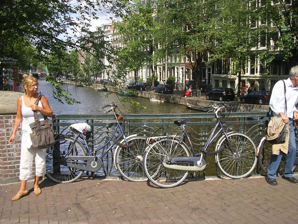 4. Bicicletele - principalul mijloc de transport din Amsterdam