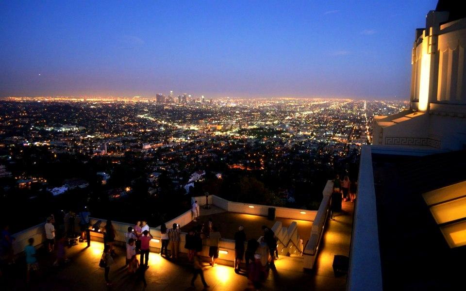 0. (cover) '' Downtown LA vazut dinspre Observatorul Griffith - de data asta noaptea''