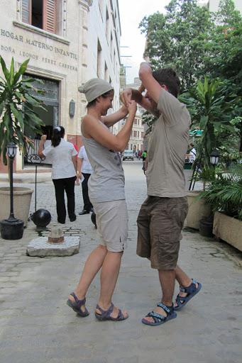6 Salsa pe strazile Havanei