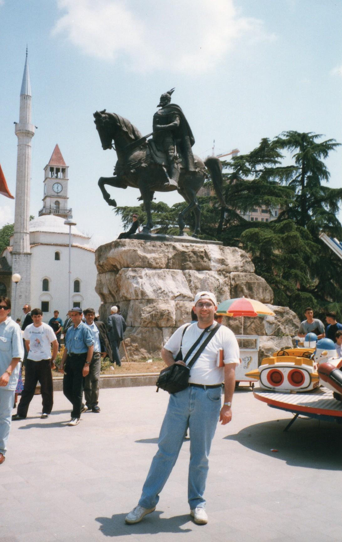 05. Statuia lui Skanderbeg in Tirana