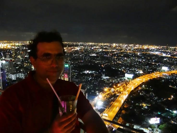17. Deasupra Bangkokului