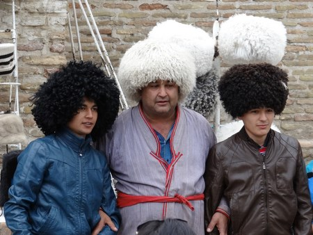 12. Caciul uzbece