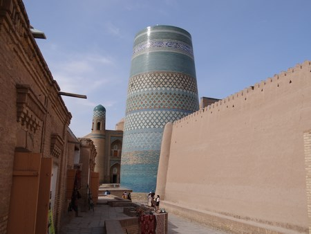 14. Ulitele din Khiva