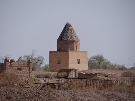 13. Mausoleu Konya Urgench