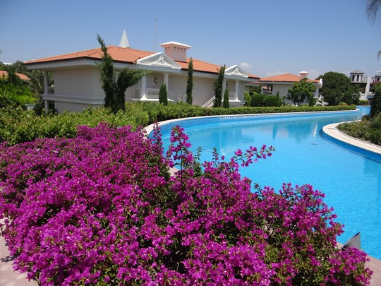 14. Flori Mardan Palace