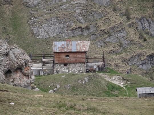 17. Cabana Caraiman