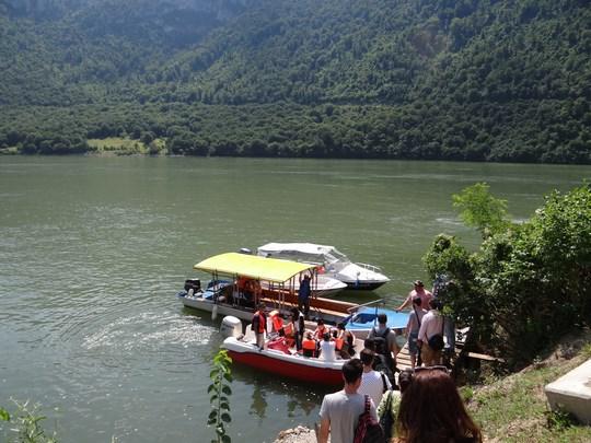 04. Salupa pe Dunare