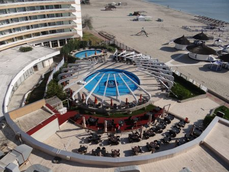 06. Piscina Hotel Vega