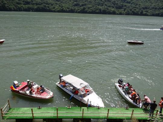 08. Salupa pe Dunare