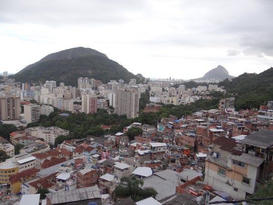 09. Favela si oras