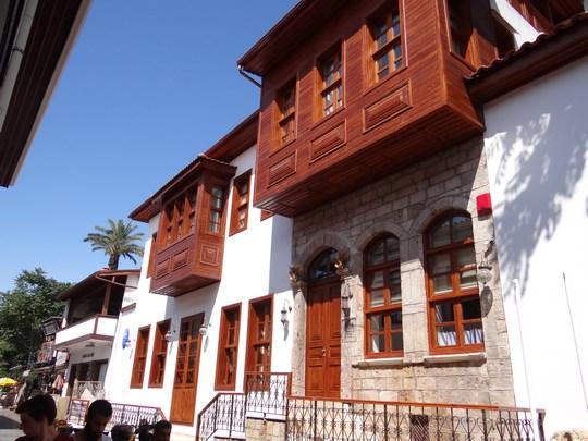 25. Veche cladire din Antalya