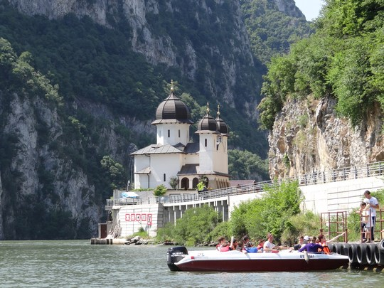 09. Manastirea Mraconia