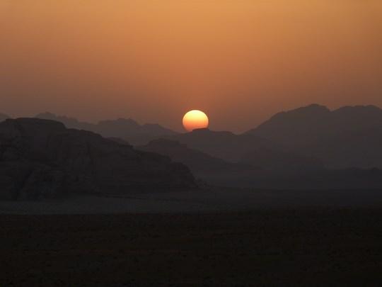 21. Apus de soare desert