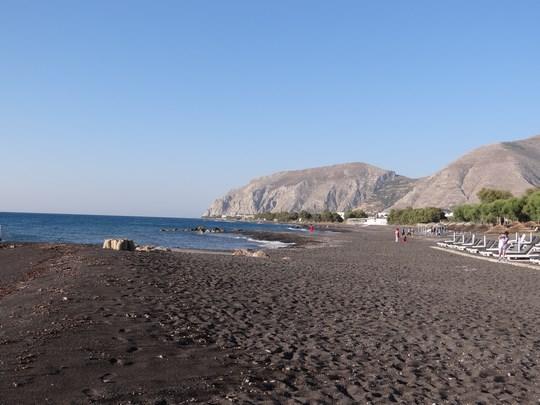 29. Plaja nisip negru