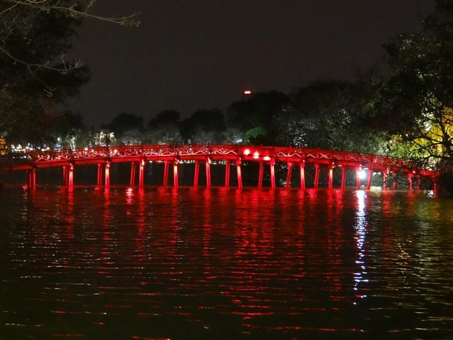 01. Pod in Hanoi, Vietnam