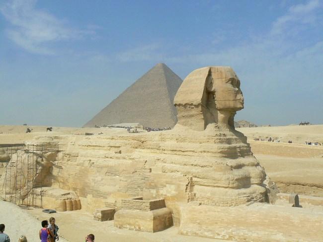 06. Sfinxul si Piramidele