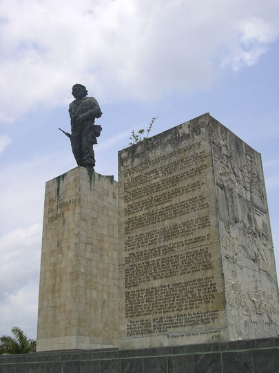 08. Statuia Che Guevara