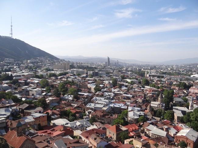 10. Tbilisi de sus