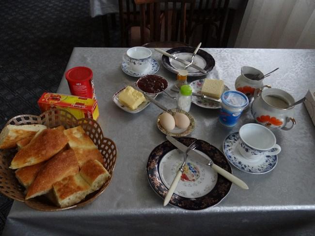 23. Mic dejun Andranik Goris