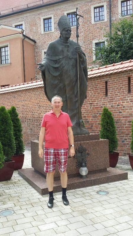 06. Statuia Papa Ioan Paul II