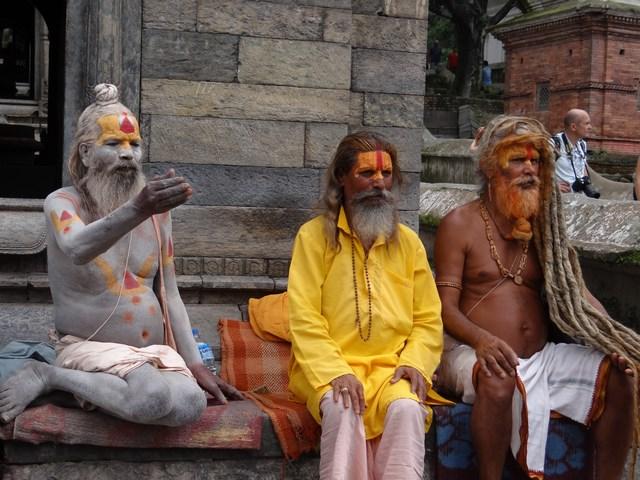 08. Oameni sfinti hindu