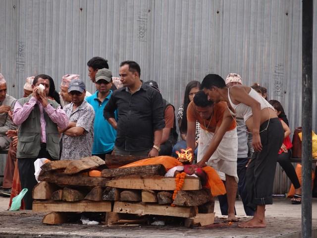 15. Incinerare hindusa