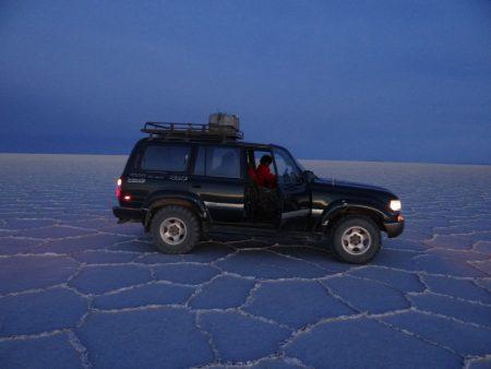 19. Jeep in Salar de Uyuni