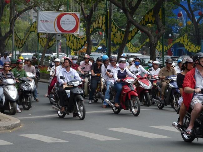 19. Motociclisti in Hanoi