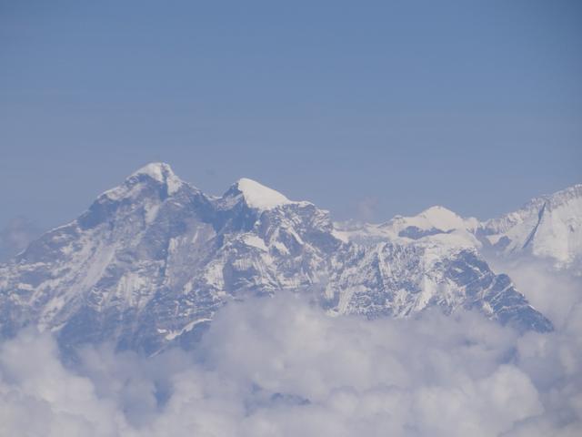01. Everest