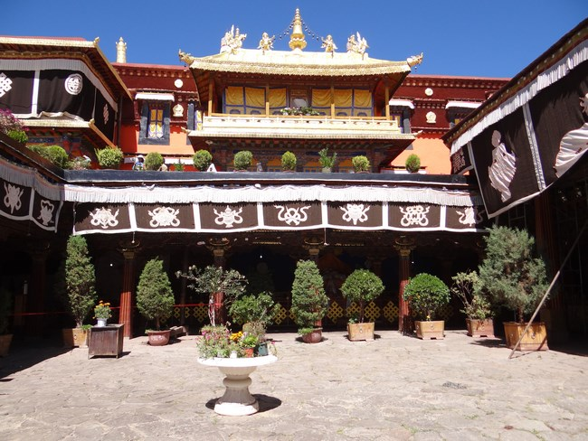 08. Jokhang interior
