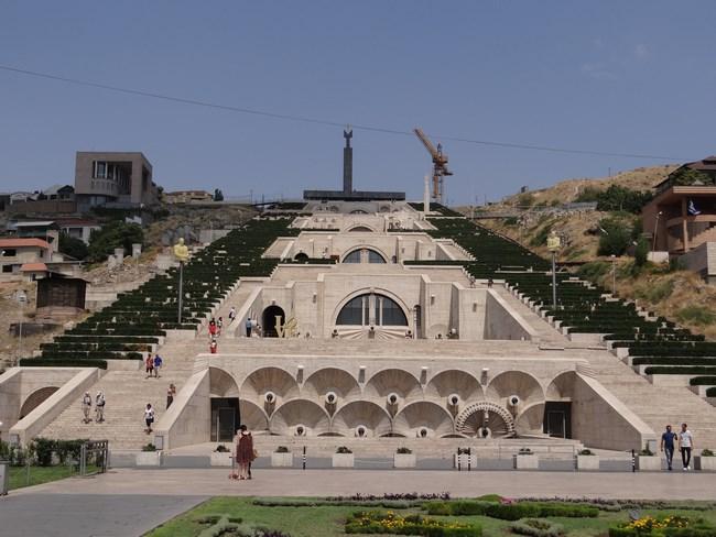 14. Cascade - Erevan