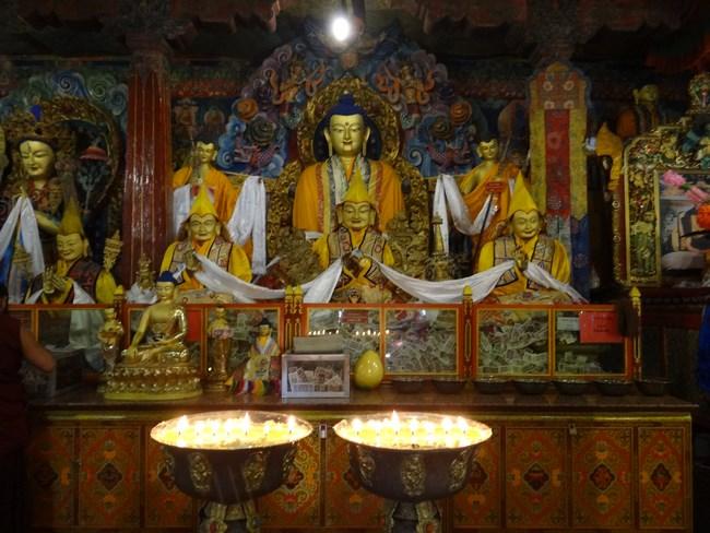 19. Statui budiste