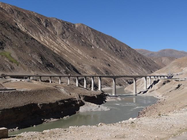 04. Tren Lhasa - Shigatse in Tibet
