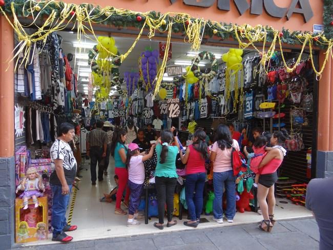 06. Strazi Comerciale - Lima