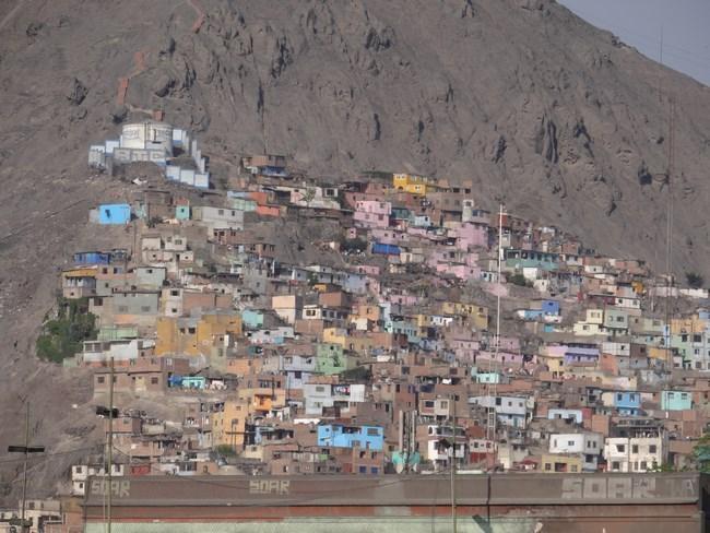 07. Favelele din Lima