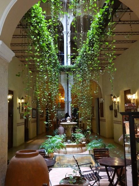 03. Hotel din Havana Veche