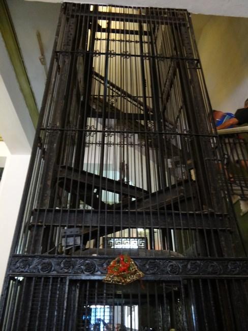 08. Hotel Ambos Mundos - lift