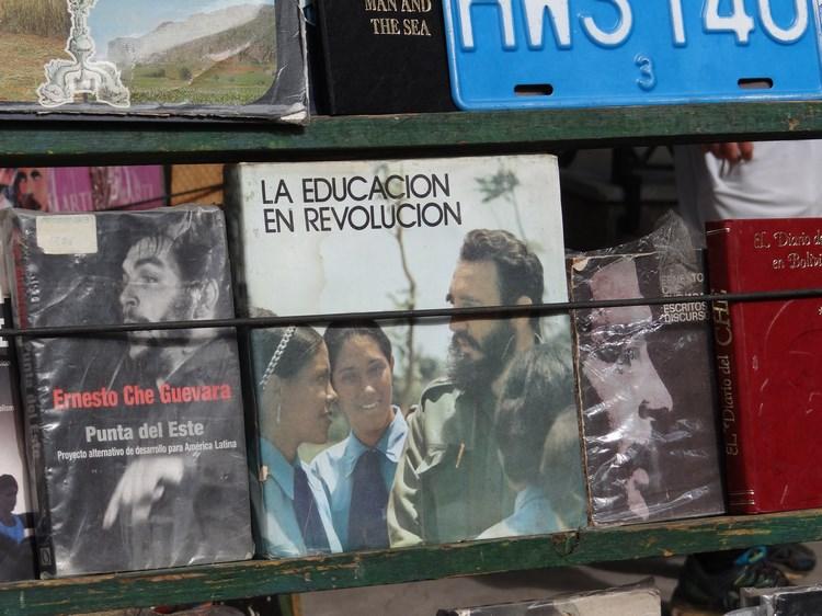 11. Carti cu Fidel Castro