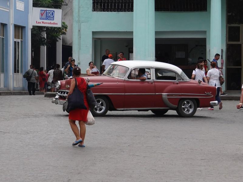 13. Masina de epoca Cuba