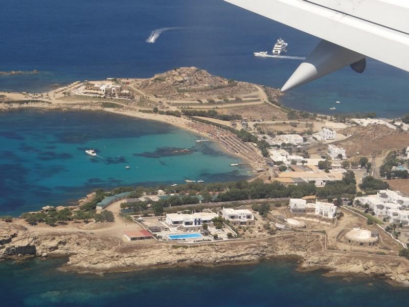 01. Aterizare la Mykonos