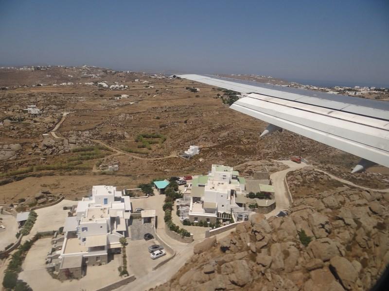 11. Aterizare la Mykonos