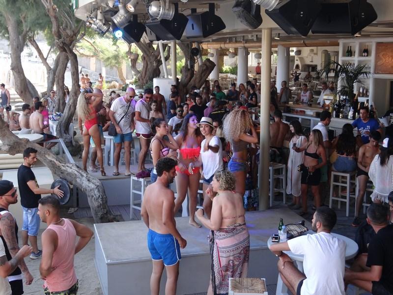 19. Clubbing Mykonos
