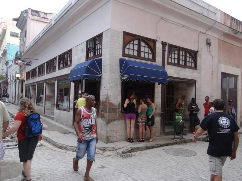 34. Fast food Havana
