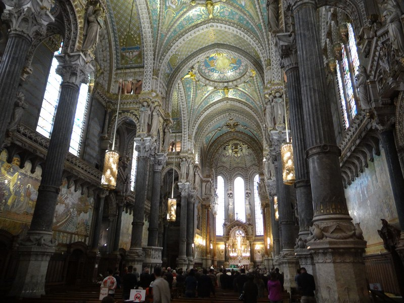 07. Interior Notre Dame Lyon