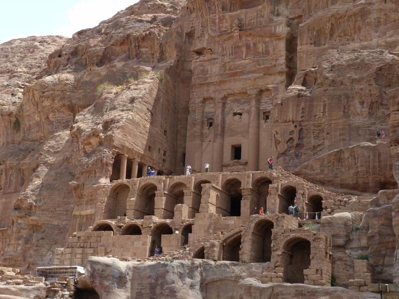 10. Mormant Petra