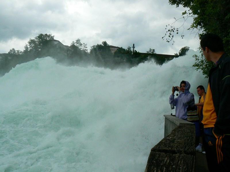 12. Cascada Rinului