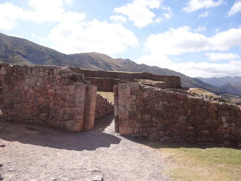 02. Puka Pukara - Cuzco
