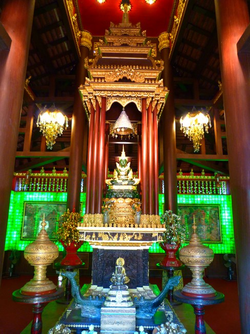 07. Emerald Budda Chiang Rai