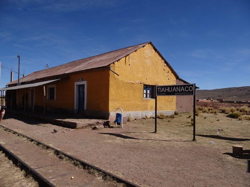 07. Gara Tiahuanaco